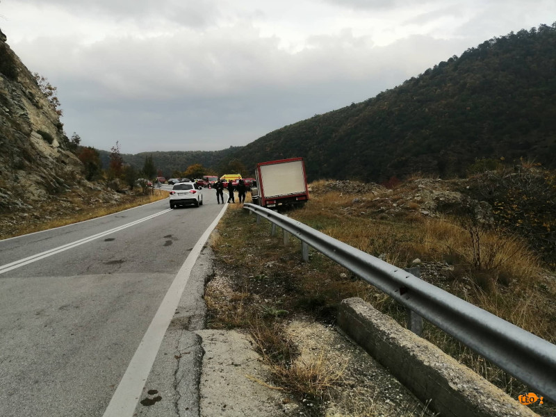 Επιχείρηση ΕΛΑΣ και Πυροσβεστικής / Φωτογραφία: seleo.gr