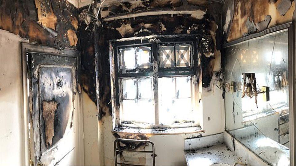 Καθρέφτης φωτιά διαμέρισμα Τζόαν Κόλινς