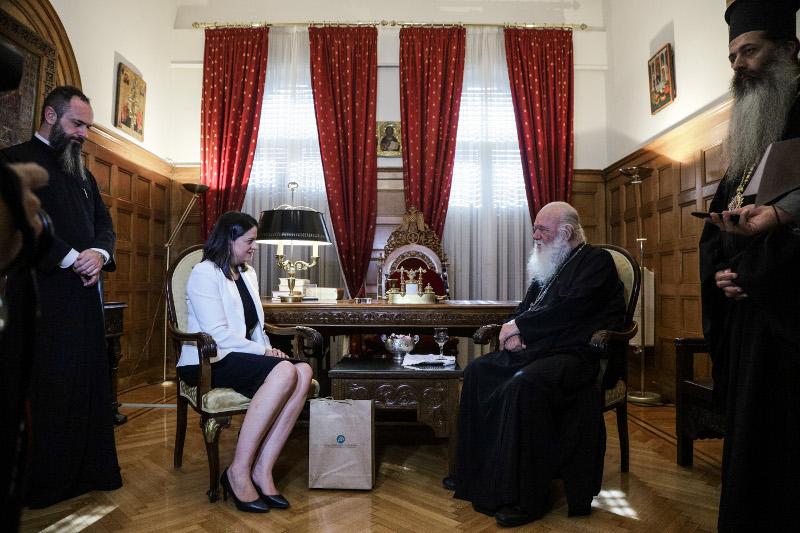 Συνάντηση της υπουργού Παιδείας και Θρησκευμάτων, Νίκης Κεραμέως με τον Αρχιεπίσκοπο Ιερώνυμο / Φωτογραφία: EUROKINISSI