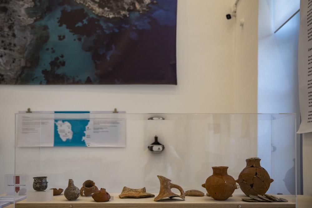 Τμήματα του αρχαιολογικού θησαυρού από την Κέρο και το Δασκαλιό στην έκθεση στο παλιό δημοτικό σχολείο στο Κουφονήσι