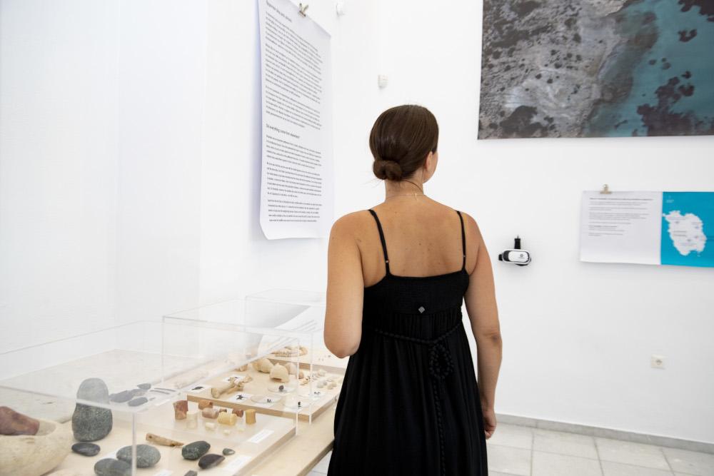 Μεγάλο το ενδιαφέρον από τους επισκέπτες του νησιού για την έκθεση «Δες ΑΠΕΝΑΝΤΙ… έναν οικισμό στην Κέρο 4.500 χρόνια πριν»