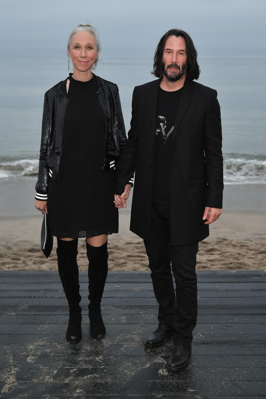 Το ζευγάρι εμφανίστηκε πιασμένο χέρι - χέρι στην επίδειξη μόδας του Saint Laurent