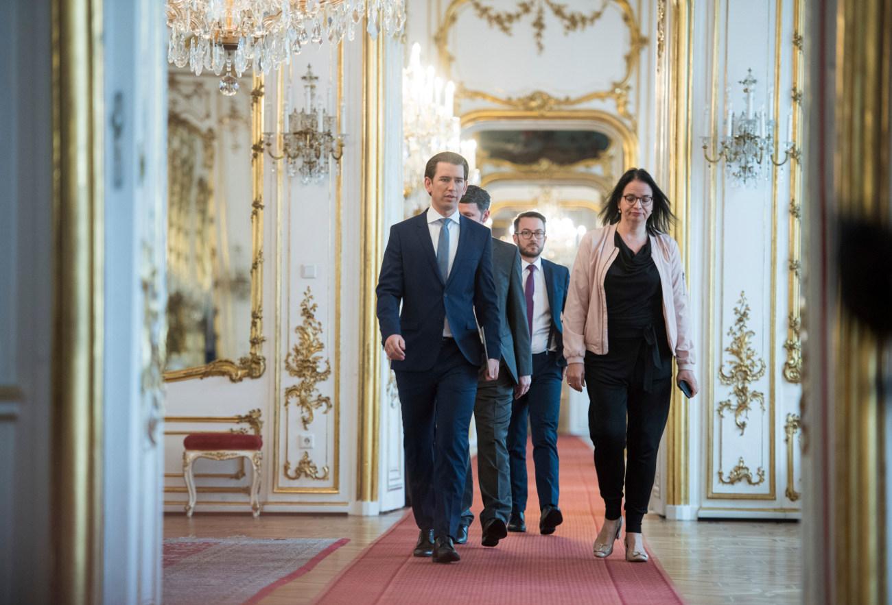 Ο Αυστριακός καγκελάριος Σεμπαστιάν Κουρτς και μέλη της κυβέρνησής του