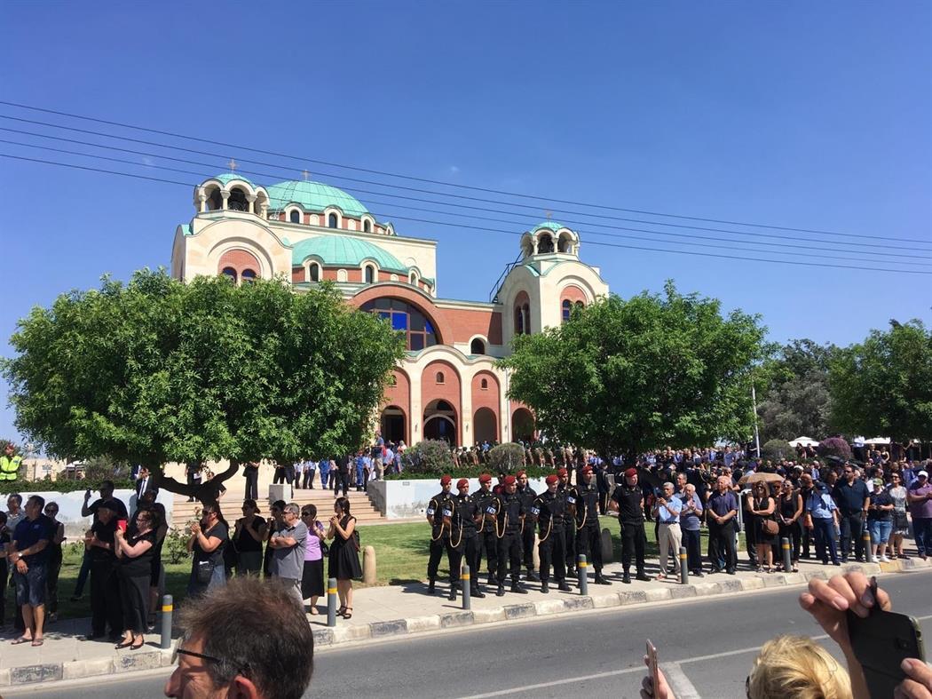 Η κηδεία του Δημήτρη Χριστόφια τελείται με τιμές εν ενεργεία αρχηγού κράτους