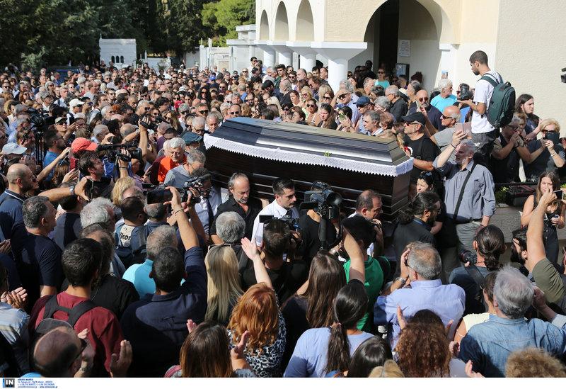 Πλήθος κόσμου στην κηδεία του Λαυρέντη Μαχαιρίτσα