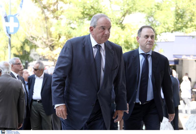 Ο πρώην πρωθυπουργός Κώστας Καραμανλής στην κηδεία του Λιβάνη