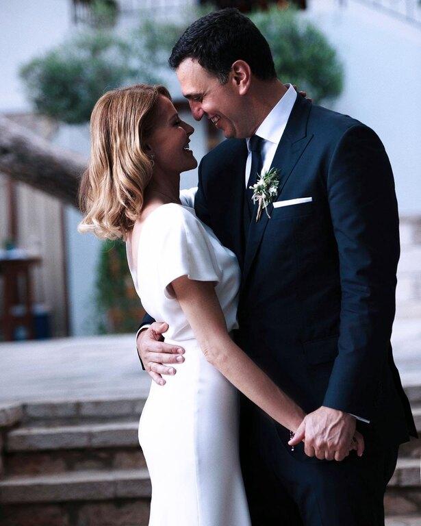 Τζενη Μπαλατσινού Βασίλης Κικίλιας στο γάμο τους
