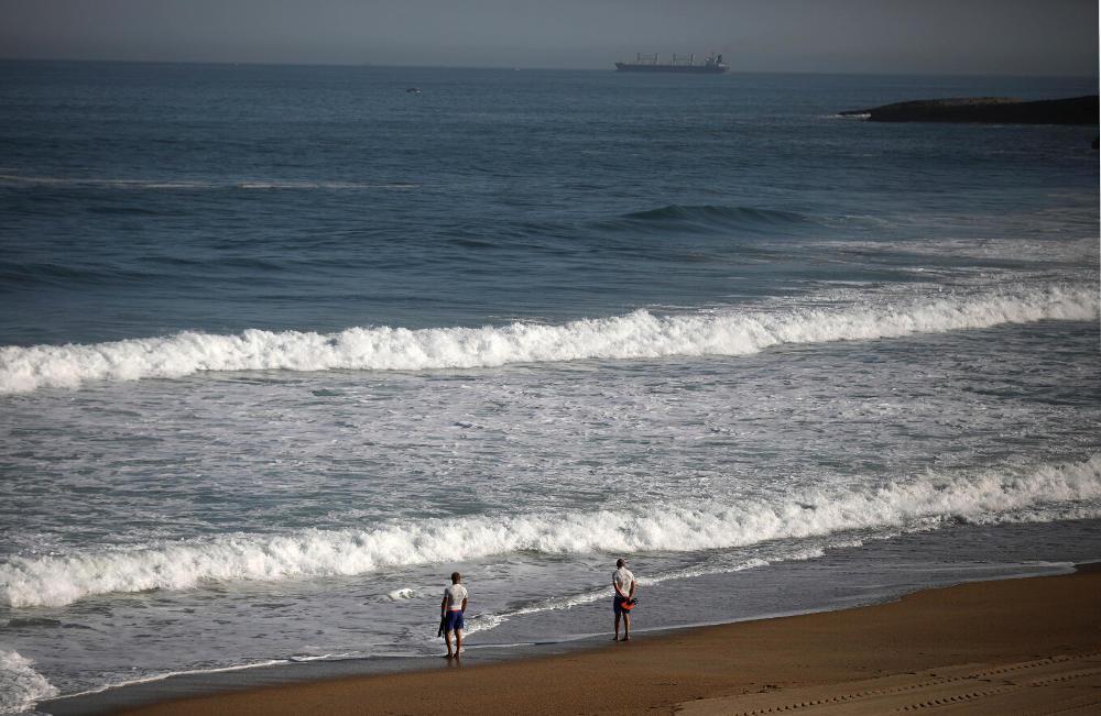 Η τεράστια παραλία στην Μπιαρίτς που βρέχεται από τον Ατλαντικό Ωκεανό / Φωτογραφία: AP Photos
