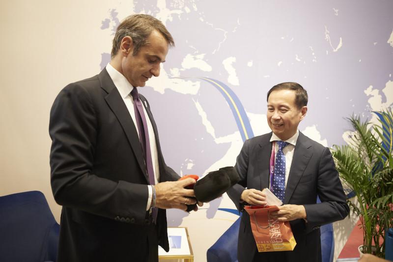 Ο Κυριάκος Μητσοτάκης κατά την συνάντησή του με εκπροσώπους μεγάλων Κινεζικών επιχειρήσεων