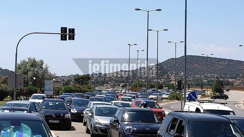 Κίνηση στους δρόμους προς τις παραλίες