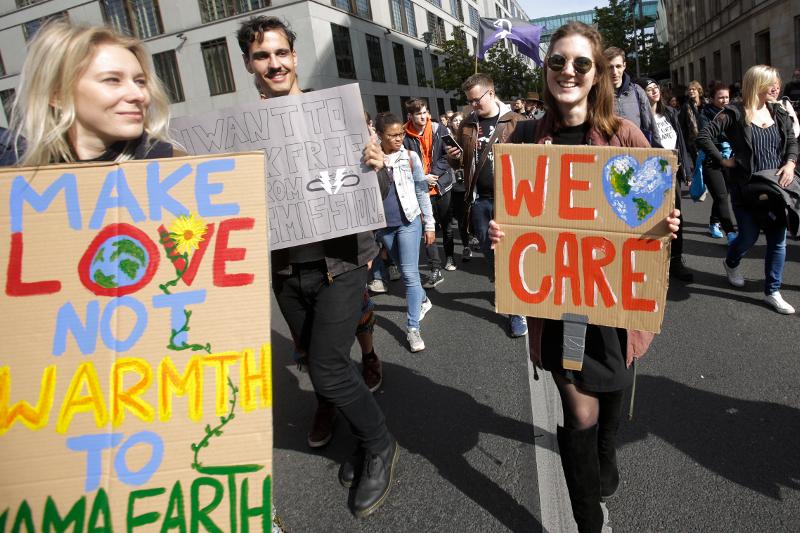 Οι διαδηλωτές διαμαρτυρήθηκαν για την κλιματική αλλαγή που θέτει σε κίνδυνο τον πλανήτη / Φωτογραφία: AP