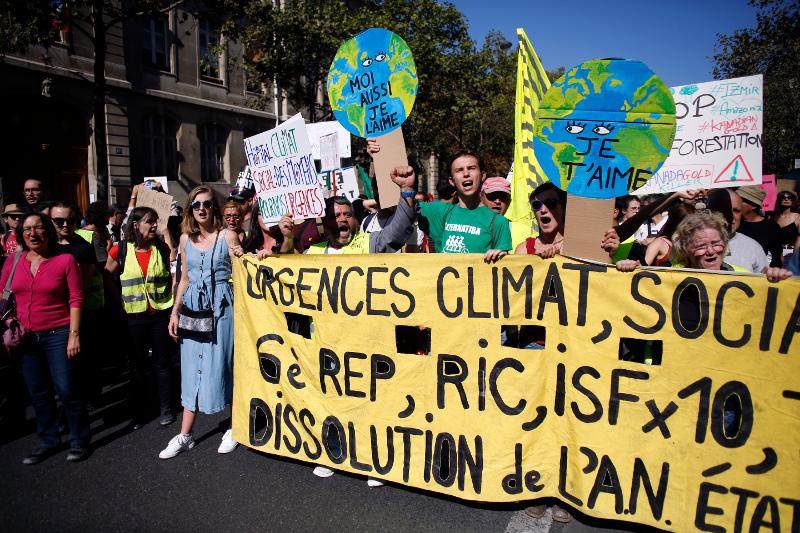 Χιλιάδες διαδηλωτές στην πορεία για την κλιματική αλλαγή / Φωτογραφία: AP