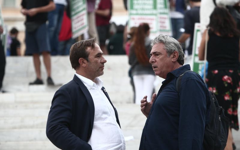 Ο ευρωβουλευτής του ΣΥΡΙΖΑ Πέτρος Κόκκαλης στη διαδήλωση για την κλιματική αλλαγή