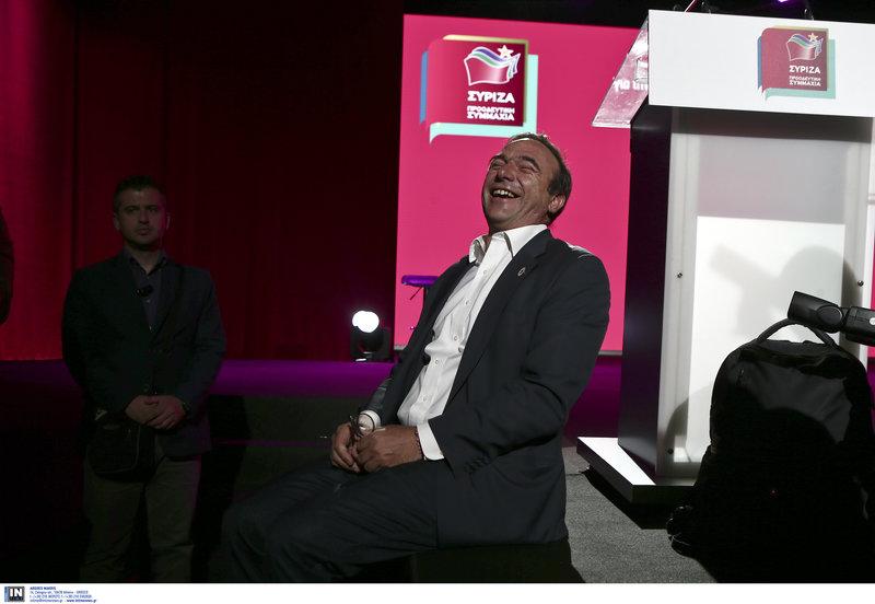 Ο Σωκράτης Κόκκαλης γελά στο ΣΕΦ