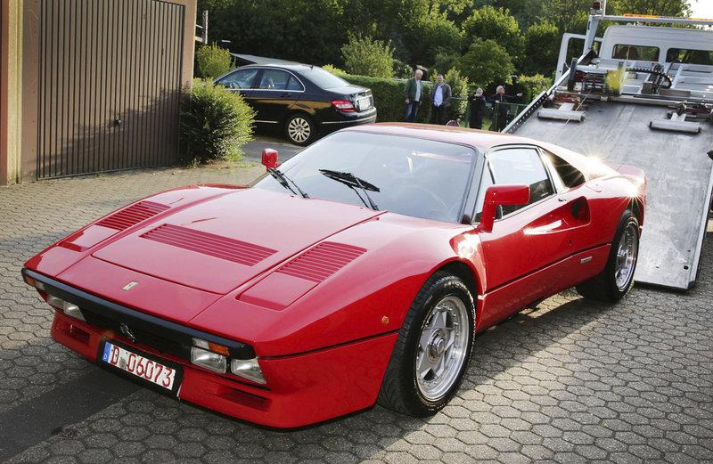 Κόκκινη Ferrari του 1985
