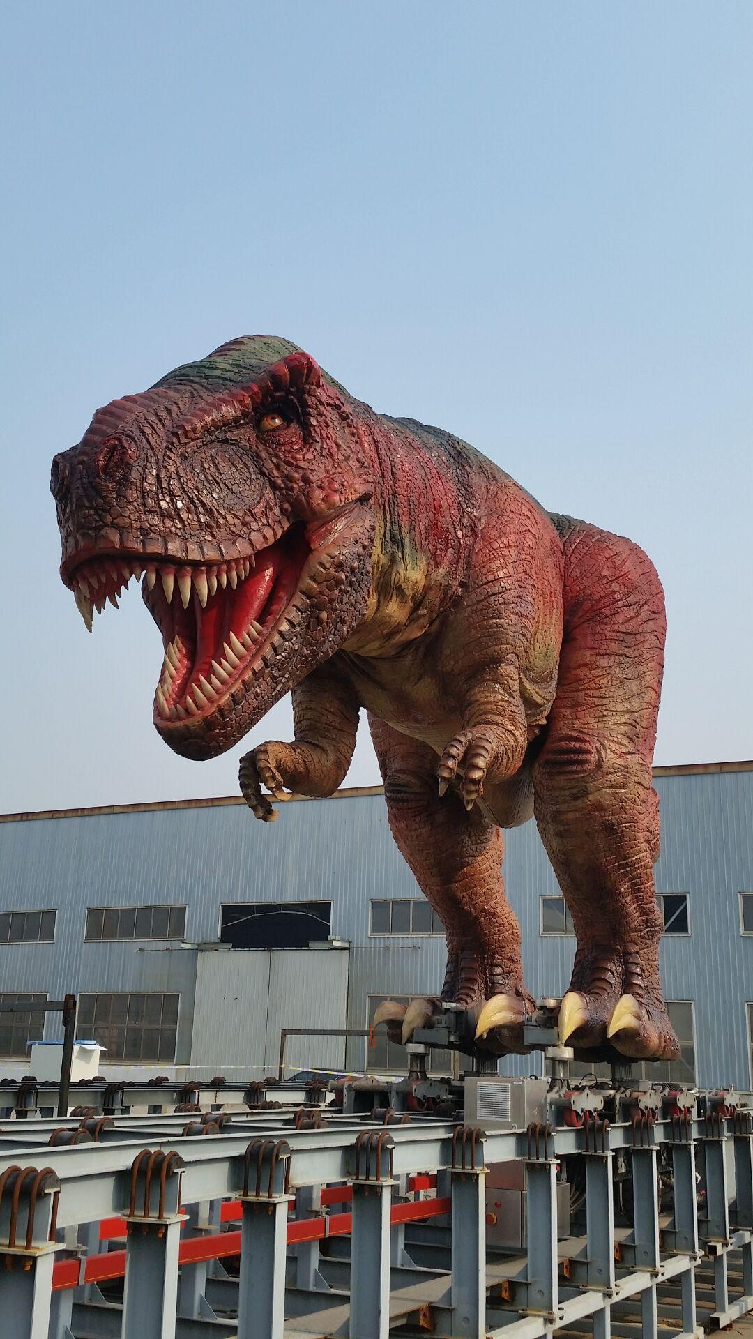 Γιγαντιαίος ρομποτικός δεινόσαυρος