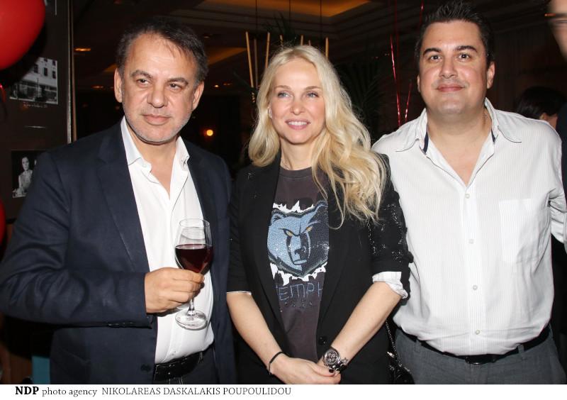 Η Μαρί Κωνσταντάτου με τον Γιάννη Κεντ και τον Πάνο Κατσαρίδη