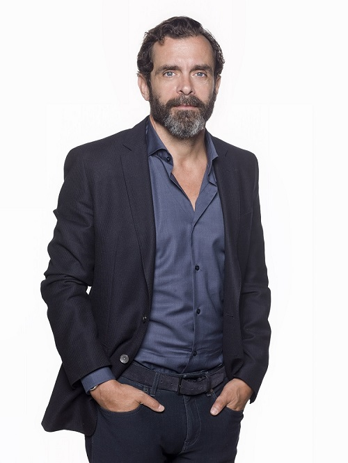 Ο Κωνσταντίνος Μαρκουλάκης αναλαμβάνει τον ρόλο του Μιχάλη στο «Λόγω Τιμής»
