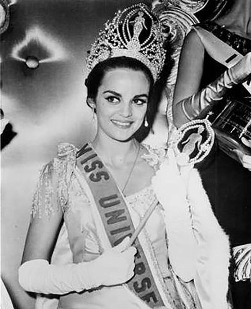 Η Κορίνα Τσοπέη στέφθηκε Μις Υφήλιος το 1964