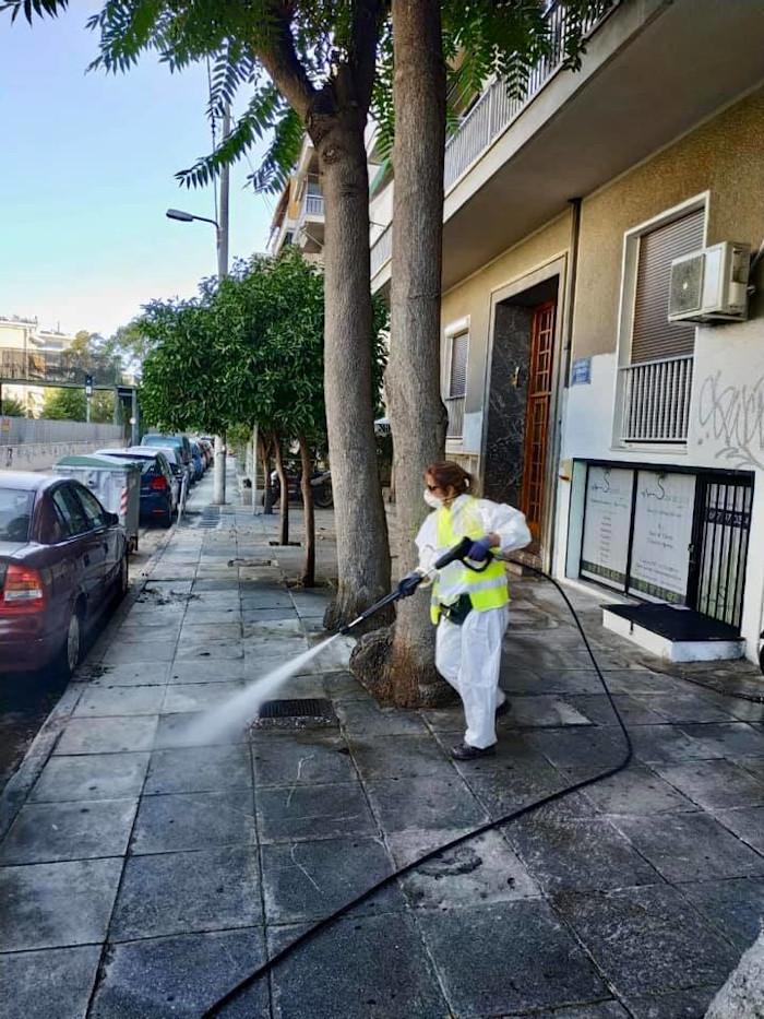 Μεγάλη επιχείρηση καθαριότητας - απολύμανσης του Δήμου Αθηναίων στα Κάτω Πατήσια
