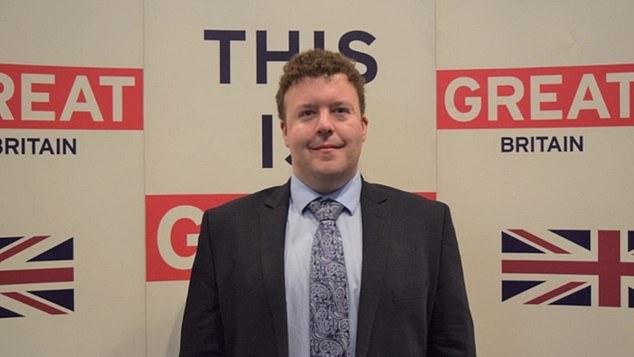 Ο 37χρονος αναπληρωτής πρεσβευτής της Βρετανίας στην Ουγγαρία