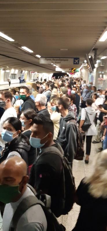συνωστισμός στο μετρό