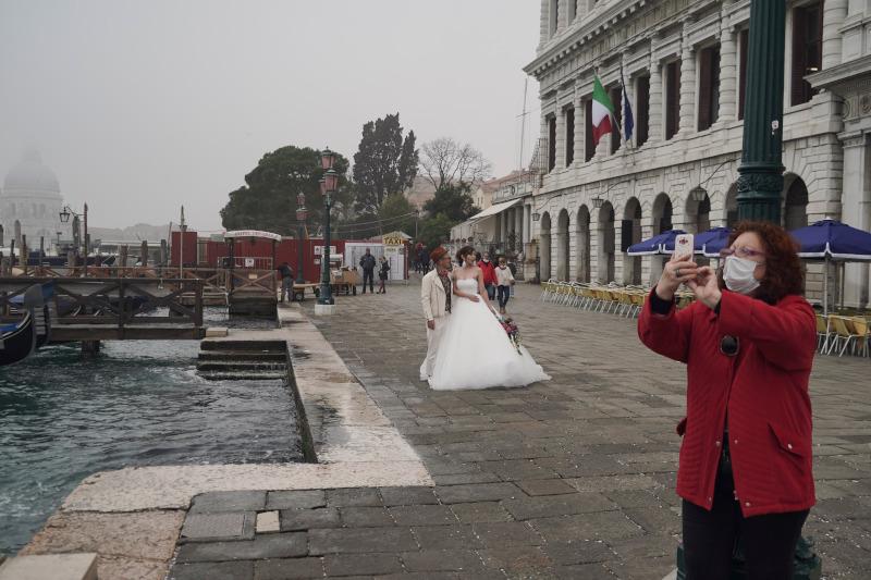 Η ζωή συνεχίζεται στην Βενετία που έχει δοκιμαστεί από πολλά στην πάροδο των χρόνων