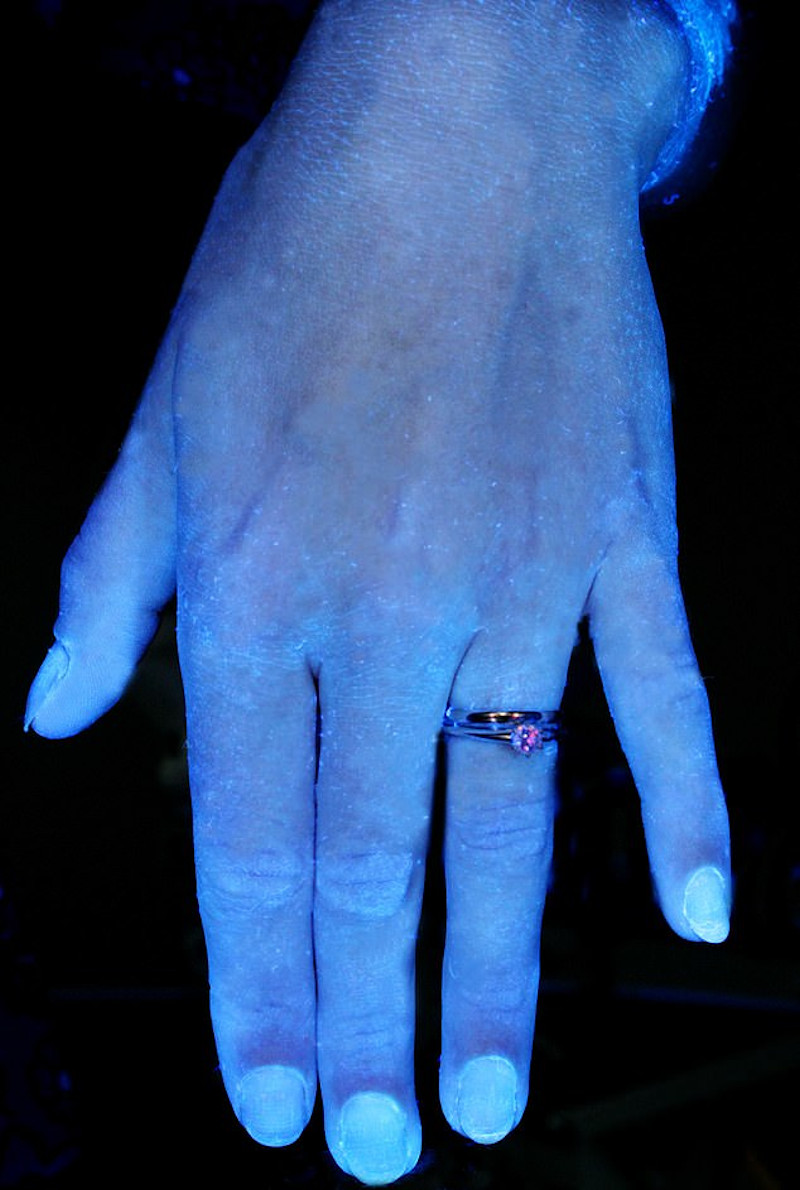 κορωνοιός χέρια
