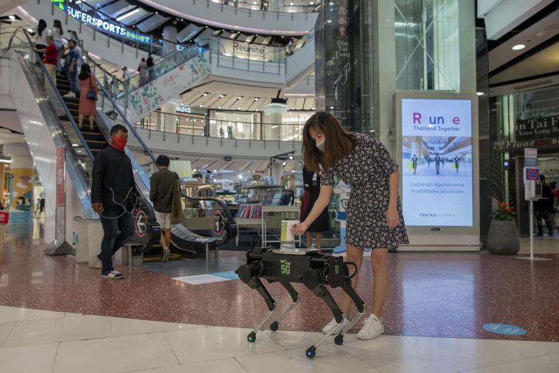 Τα εμπορικά κέντρα της Ταϊλάνδης έχουν ανοίξει