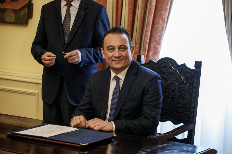 Ο νέος υφυπουργός Εξωτερικών, Κώστας Βλάσης κατά την ορκομωσία του