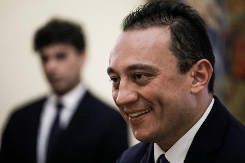 Ο νέος υφυπουργός Εξωτερικών, Κώστας Βλάσης κατά την ορκομωσία του.