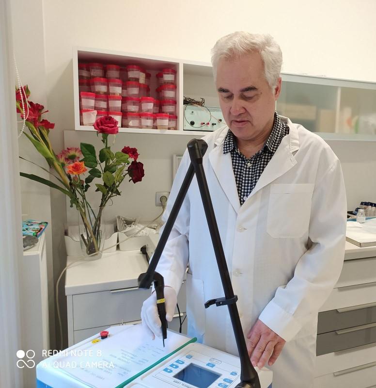 Ο δερματολόγος Κώστας Μηλεούνης