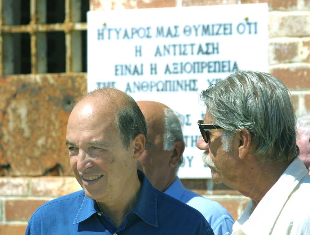 Ο Κώστας Σημήτης και ο Σταύρος Παράβας στη Γυάρο