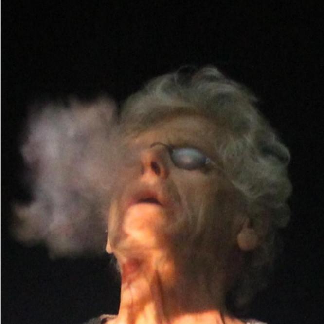 Κωστας Τσόκλης με τσιγάρο
