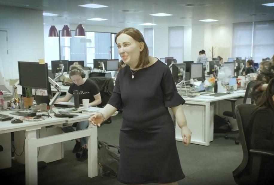 Η Έμμα - το μοντέλο που αναπαριστά τους εργαζόμενους του μέλλοντος