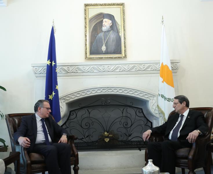 Γιώργος Κουμουτσάκος, Νίκος Ανασταστιάδης