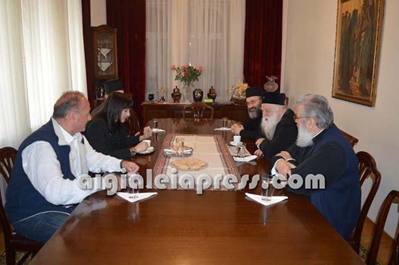 Η Ελενα Κουντουρά σε σύσκεψη με τον Μητροπολίτη Αμβρόσιο