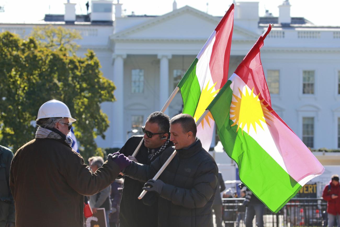 Κούρδοι διαμαρτύρονται έξω από τον Λευκό Οίκο
