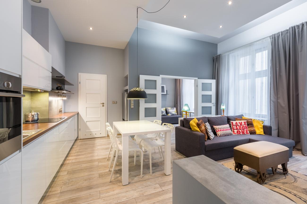 Διαμέρισμα με την κουζίνα στην είσοδο