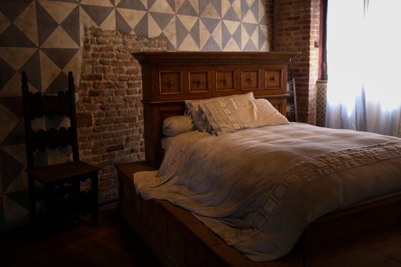 Το κρεβάτι που βρίσκεται στο σπίτι της Ιουλιέτας