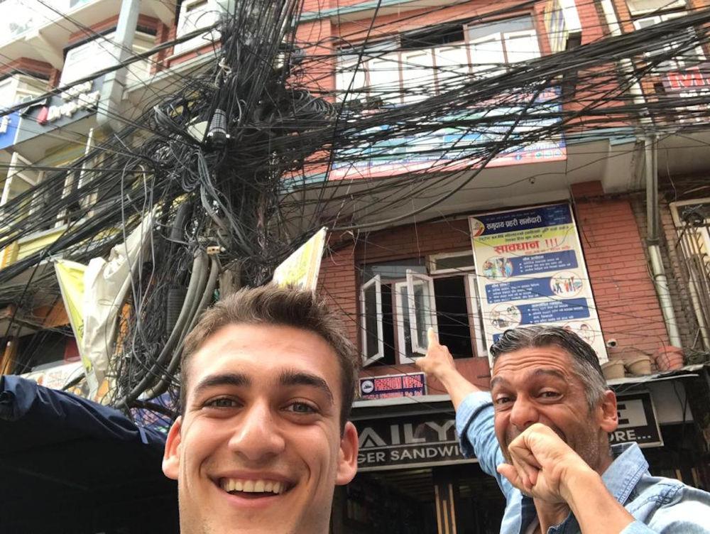 Στέλιος και Μιχαήλ  - Άγγελος στο Νεπάλ