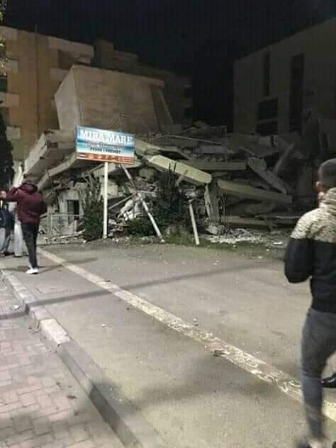 Κτίριο κατέρρευσε στην Αλβανία
