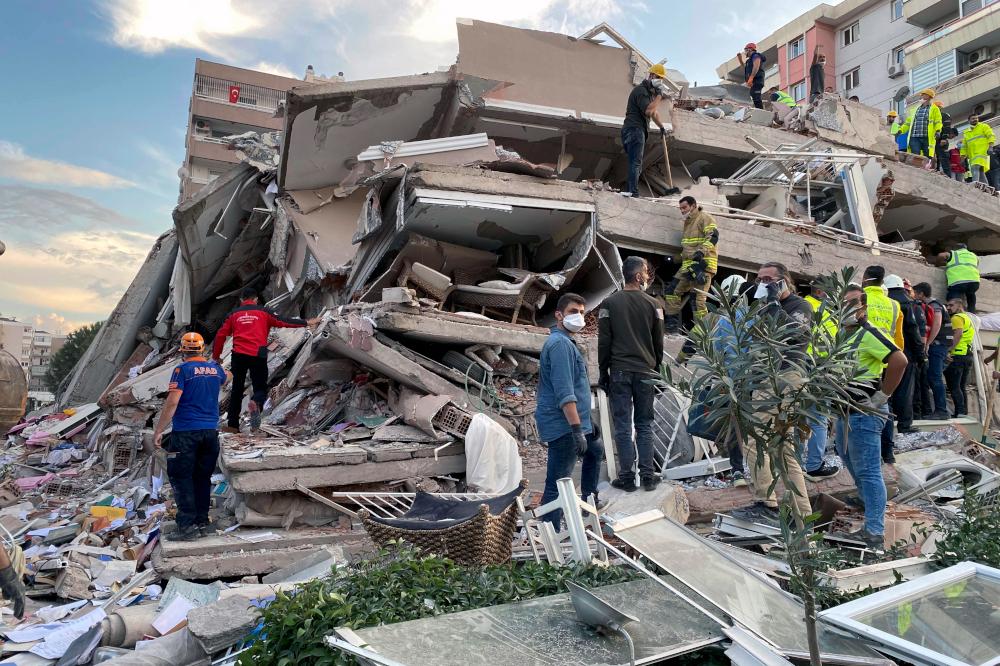 Ερείπια από σπίτι στη Σμύρνη