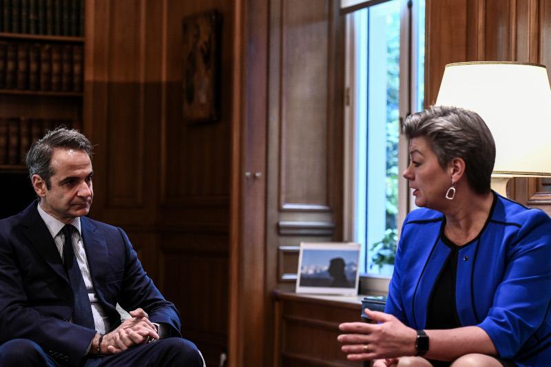 Ο Κυριάκος Μητσοτάκης με την Επίτροπο Εσωτερικών Υποθέσεων, κ.Γιόχανσον