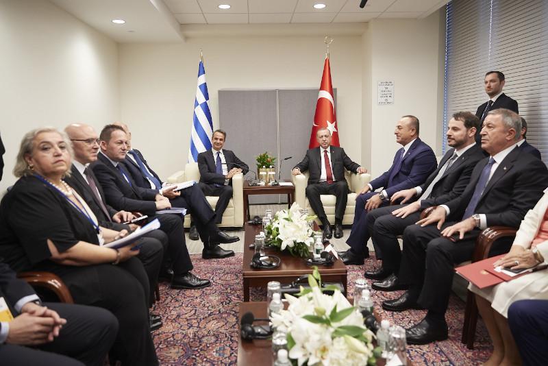 Οι δύο αντιπροσωπείες Ελλάδας και Τουρκίας και οι κ.κ. Μητσοτάκης και Ερντογάν στη Ν. Υόρκη