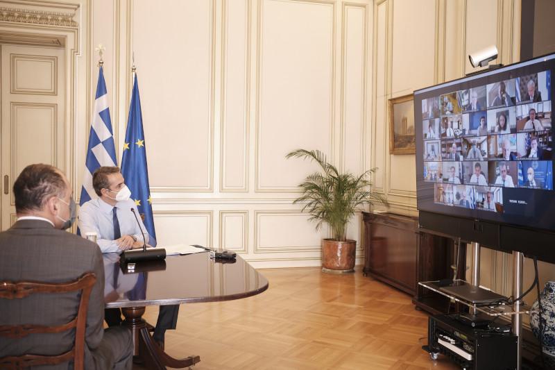 Κυριάκος Μητσοτάκης τηλεδιάσκεψη υπουργικό κορωνοϊός lockdown