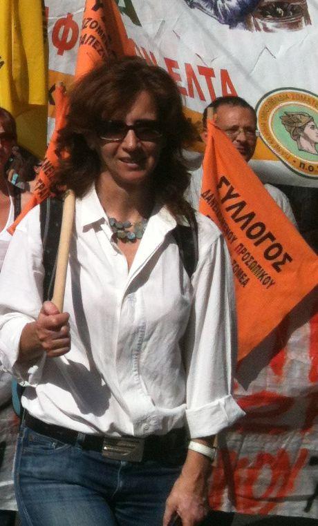 Η Γιώτα Λαζαροπούλου που καταλαμβάνει τη θέση της Κούνεβα στο Επικρατείας του ΣΥΡΙΖΑ