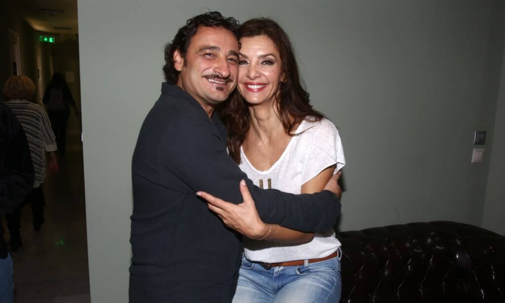 Βασίλης Χαραλαμπόπουλος, Κατερίνα Λέχου ποζάρουν αγκαλιά 20 χρόνια μέτα