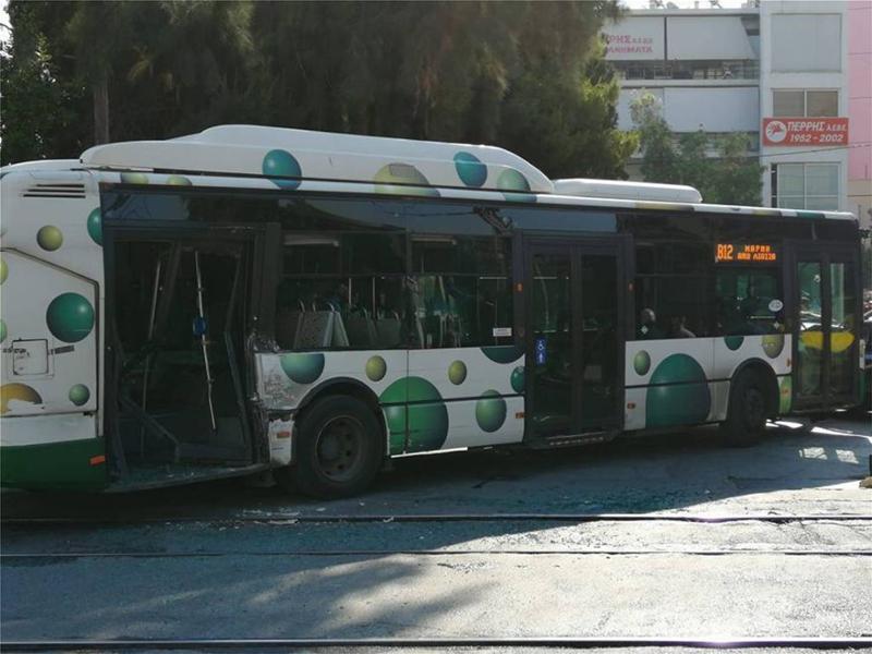 Το λεωφορείο μετά τη σύγκρουση