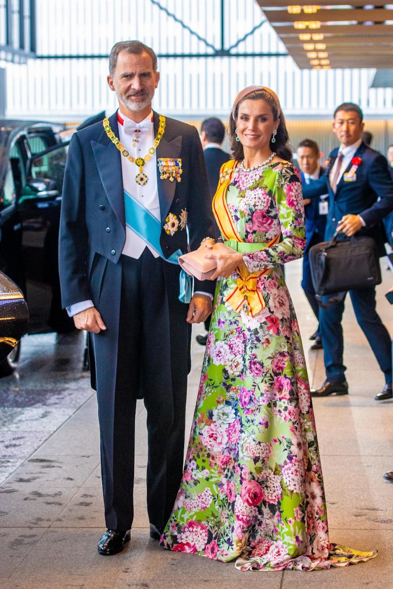 Η βασίλισσα Λετίθια της Ισπανίας ήταν η πιο κομψή και καλοντυμένη στην τελετή ενθρόνισης του αυτοκράτορα Ναρουχίτο